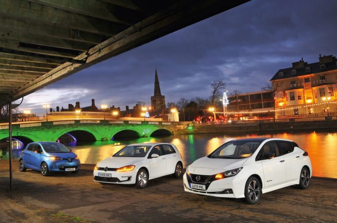 Nissan Leaf 110kW N-Connecta vs Renault Zoe Q90 ZE40 i Dynamique Nav vs Volkswagen e-Golf 136PS BEV Comparison