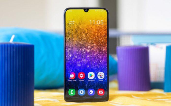 Samsung Galaxy A50 vs Huawei P20 Lite 2019: Quad 24MP cameras, 6GB RAM!