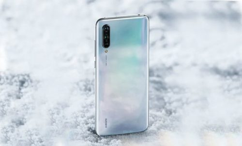 Xiaomi Mi CC9 and CC9e with in-display fingerprint sensor and triple rear cameras go official