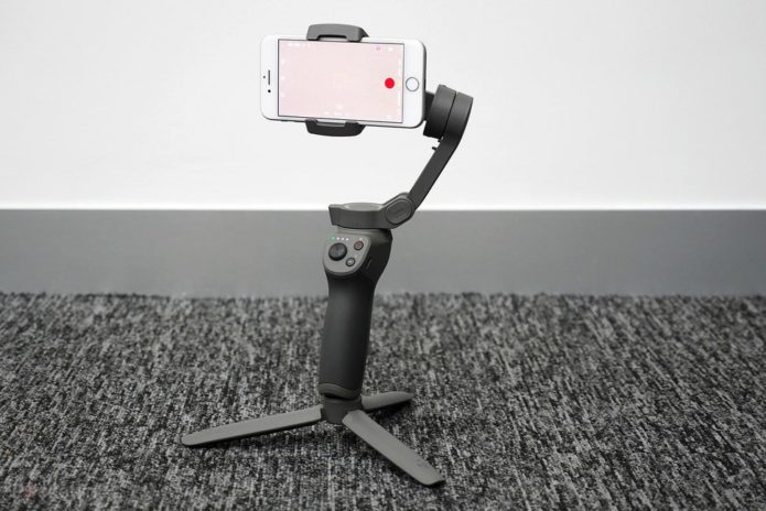 148921-gadgets-review-hands-on-dji-osmo-mobile-3-image1-4d2hyf7lhn