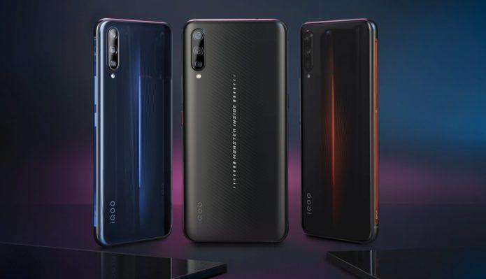 Vivo IQOO vs Huawei Mate 20X 5G: Triple 40MP cameras and 12GB RAM!!
