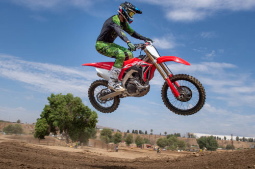 2020 HONDA CRF450R REVIEW: First Ride at Riverside (9 FAST FACTS)