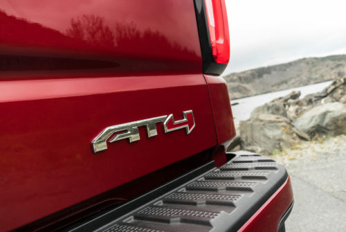 GMC Is Launching a New Off-Road Rival to the Gladiator and Tacoma : LIKE A ZR2, BUT FOR ADULTS
