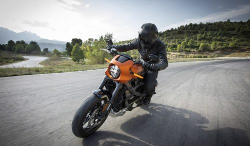 Here's What It's Like to Ride the Harley-Davidson LiveWire