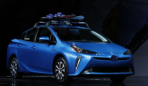 Toyota Camry Hybrid vs Toyota Prius: Which Is the Better Hybrid Car?