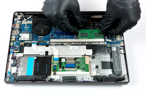 Inside Dell Latitude 14 7400 – disassembly and upgrade options