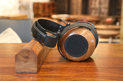 ZMF AEOLUS REVIEW: Among the best headphones you can buy right now