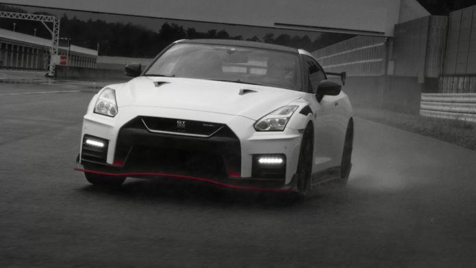 Top 10 2020 GT-R Nismo Features (Video)