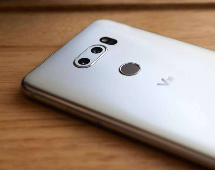 LG V30 finally starts getting Android 9 Pie in the US