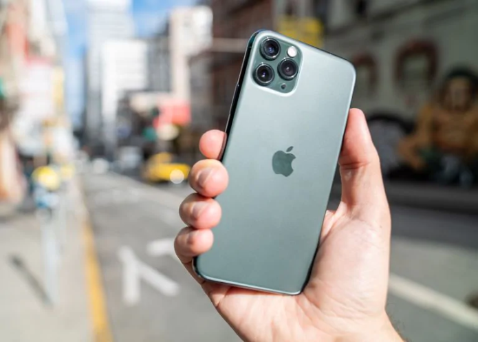 The iPhone 11 Is the Best Low-Light Camera Phone We've Ever Tested