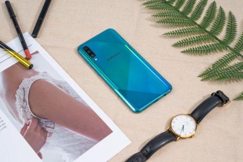 Samsung Galaxy A50s vs Redmi K20 vs Vivo V15 Pro: Price in India, Specifications Compared
