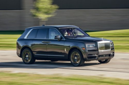2019 Rolls-Royce Cullinan Puts Old-School Luxury into a New-Age Form