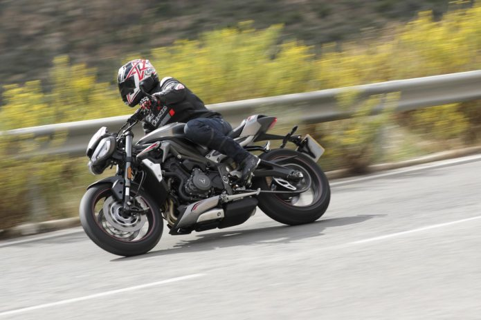 2020 TRIUMPH STREET TRIPLE RS REVIEW (17 FAST FACTS)