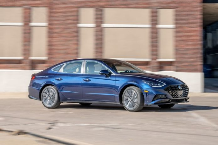 2020 Hyundai Sonata Leverages Both Beauty and Brains