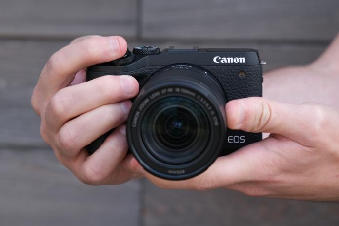 CanonM6MarkII-10-920x613