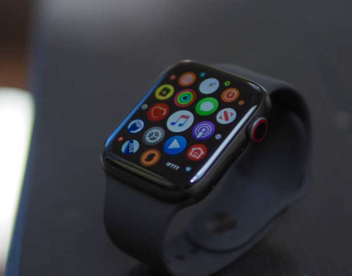 Apple Watch watchOS 6.1 arrives: AirPods Pro support plus Series 1/2 update