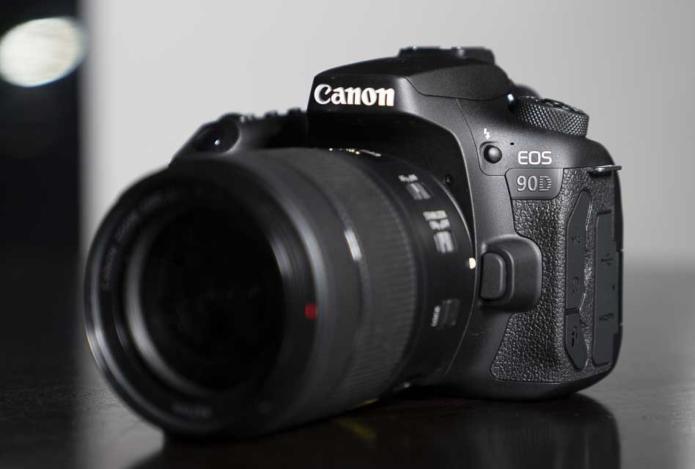 Canon EOS 90D Review, Comparison vs 80D vs 7D II vs M6 II