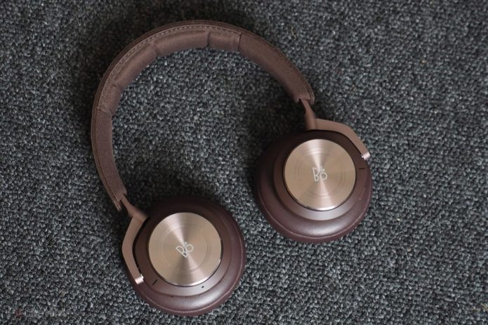 149602-headphones-review-bo-beoplay-h9-2019-review-brown-image1-fczhlujnnq