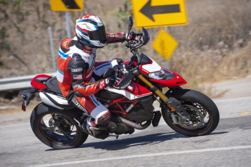 2019 DUCATI HYPERMOTARD 950 SP TEST: SUPER PERFORMANCE ON THE STREET