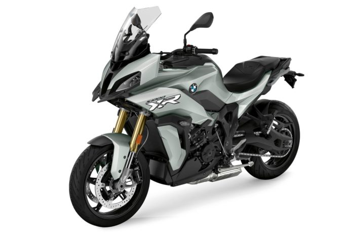 2020 BMW S 1000 XR FIRST LOOK (15 FAST FACTS)