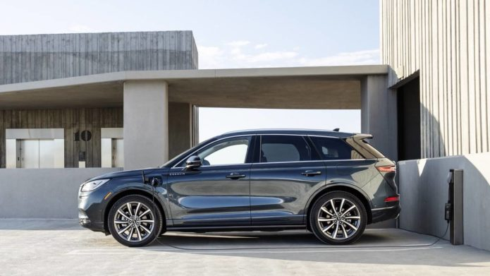 2021 Lincoln Corsair Grand Touring hybrid SUV gets 25 miles of EV range