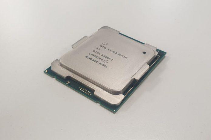 Intel-i9-10980XE-3-e1574676724387-920x613