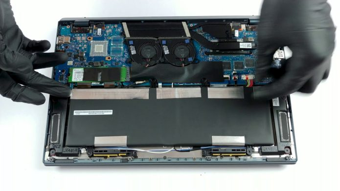 Inside ASUS ZenBook Duo UX481 – disassembly and upgrade options