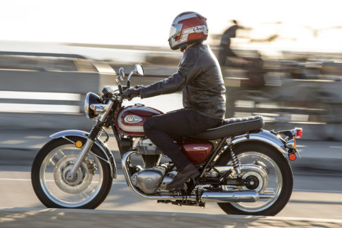 2020 KAWASAKI W800 FIRST RIDE REVIEW: LONG BEACH JAUNT