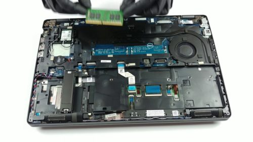 Inside Dell Latitude 5500 – disassembly and upgrade options