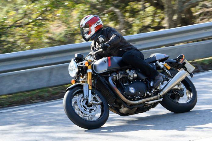 2020 TRIUMPH THRUXTON RS TEST: RETRO-MODERN MOTORCYCLE