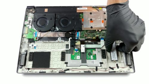 Inside Acer Aspire 7 (A715-73G) – disassembly and upgrade options