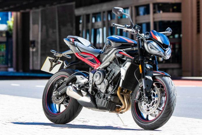 2020 TRIUMPH STREET TRIPLE R FIRST LOOK (6 FAST FACTS)