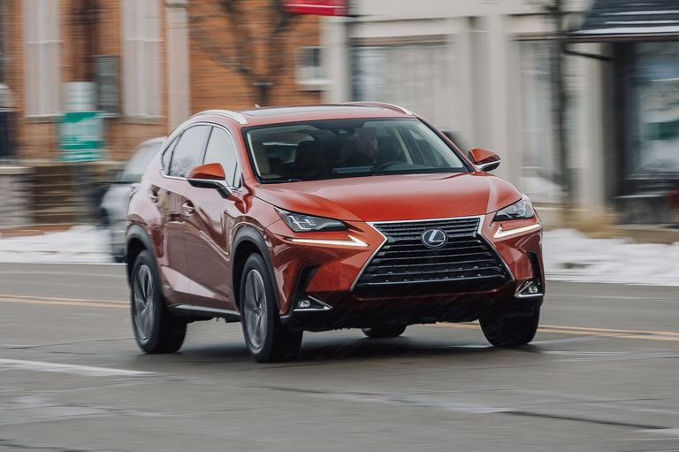 2020 Lexus NX300h Makes Hybrid Crossovers Look Edgy