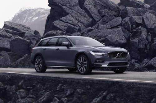 Volvo S90 and V90 freshens up with mild-hybrid power