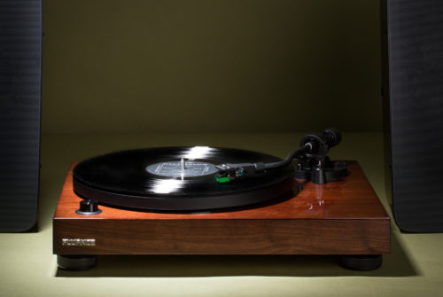 5 Best All-in-One Turntables that Simplify the Vinyl Experience