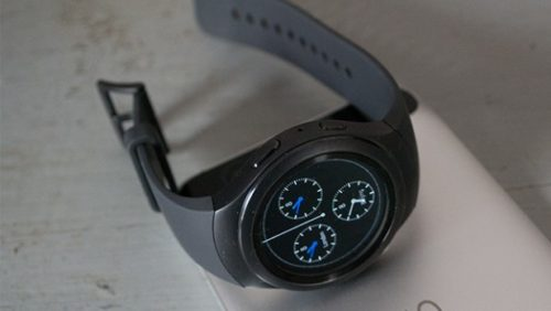 Samsung issues surprise update for 5-year-old Gear S2 watch