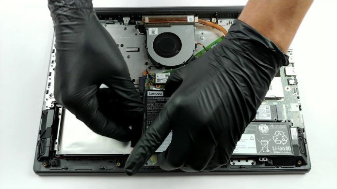 Inside Lenovo V155 (15) – disassembly and upgrade options
