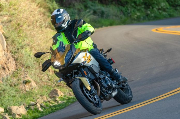2020 BMW F 900 XR REVIEW: TOURING TO COMMUTING (14 FAST FACTS)