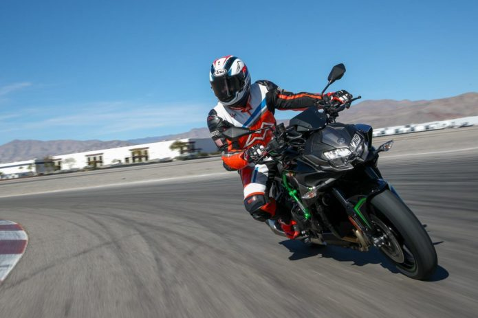 2020 KAWASAKI Z H2 TEST: SUPERCHARGED AND HYPER-NAKED