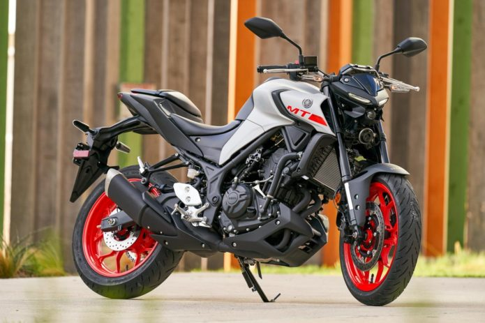 2020 YAMAHA MT-03 REVIEW (13 FAST FACTS)