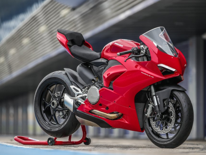 5 Things You Need To Know About The Ducati Panigale V2
