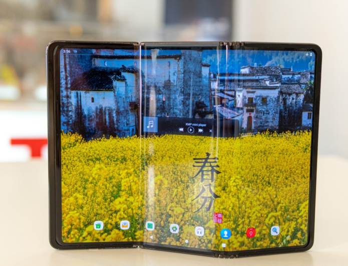 TCL futuristic foldables hands-on