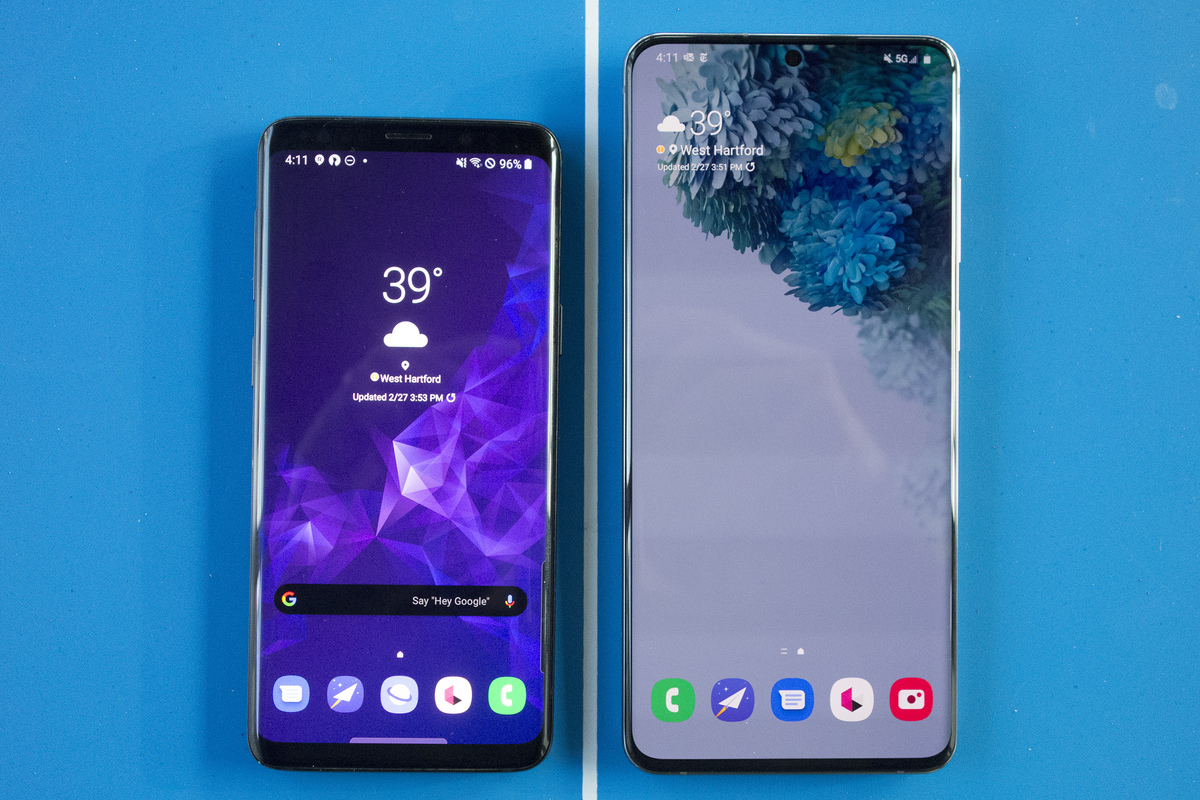 Big-screen phones are becoming a problem and foldable displays aren't the solution