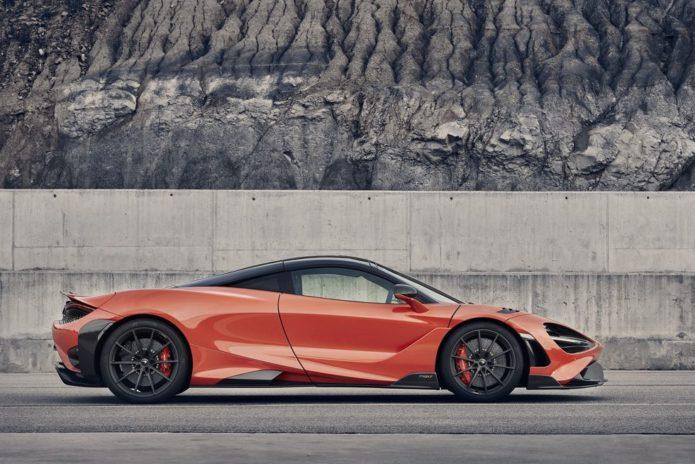 Hypercar Maker McLaren Says Hybrids Are Close, EVs Further Away