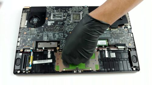 Inside MSI GS75 Stealth – disassembly and upgrade options