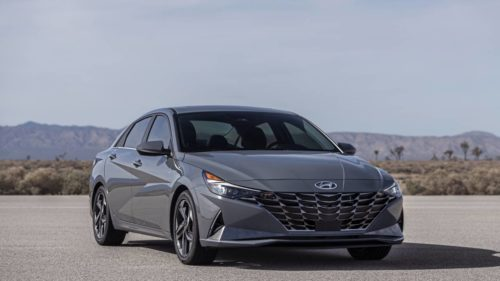 2021 Hyundai Elantra Hybrid looks exactly like the gasoline model, and that's nice