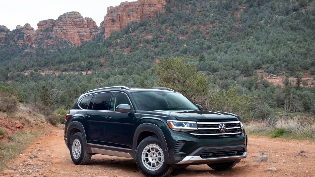 Volkswagen debuts Basecamp off-road accessories for new Atlas SUV