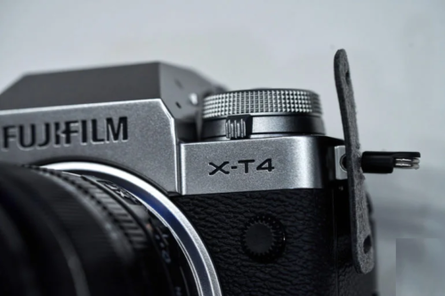 Buying the Fujifilm X-T4? Here Are the Best Prime Lenses to Use with It