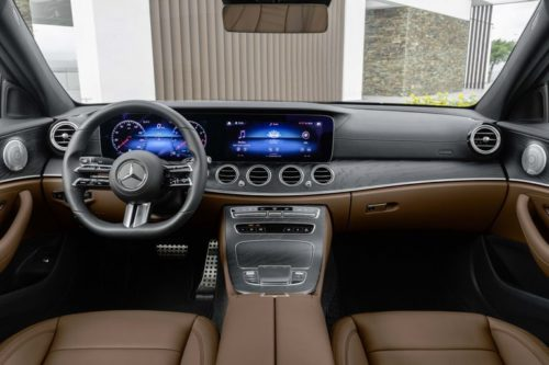 2021 Mercedes-Benz E-Class Gets Touch-Sensitive Steering Wheel