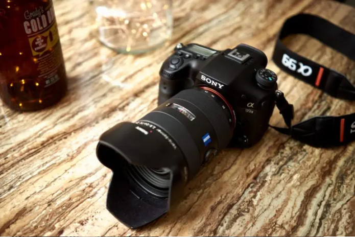 These Sony Cameras Helped Create a Cult, and They're Still Great Today